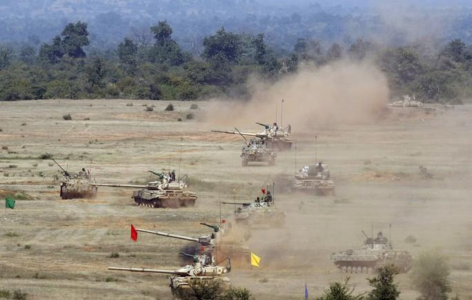 Vén màn cỗ xe tăng bất khả xâm phạm của Nga - Ảnh 5.
