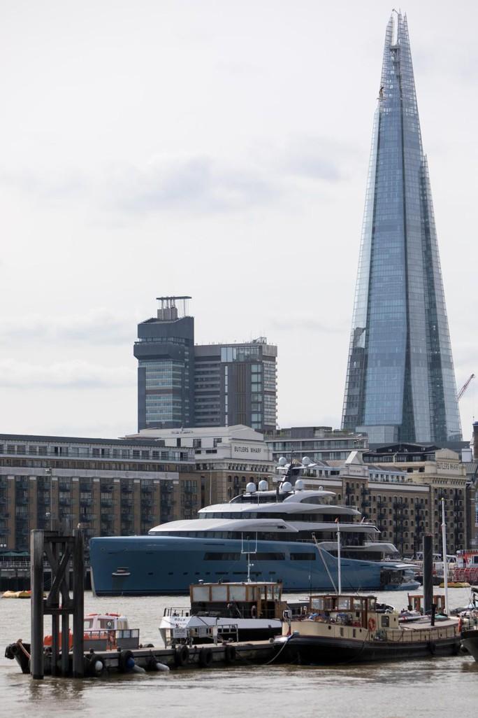 Khám phá du thuyền của ông chủ Tottenham đang ngao du đảo ngọc Phú Quốc - Ảnh 1.