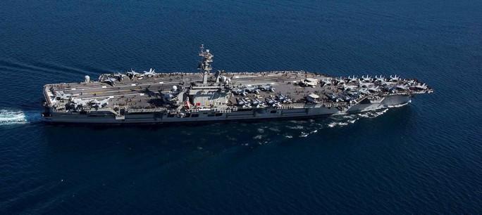 Nhà báo Đức nghi ngờ khả năng tàu sân bay Mỹ - Ảnh 1.