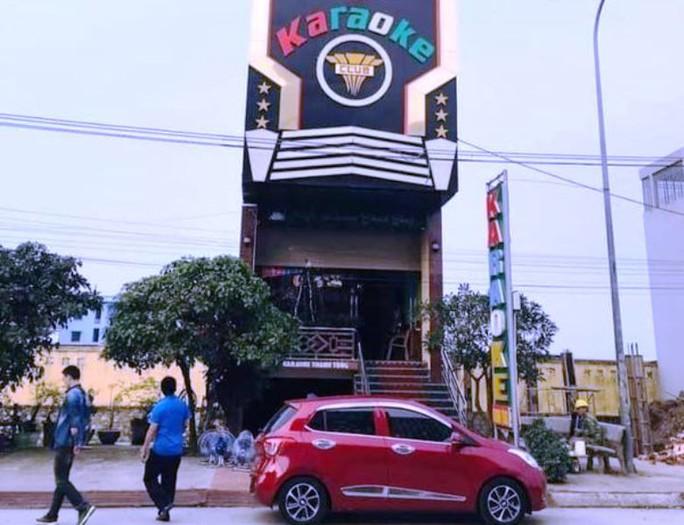 Nam thanh niên 20 tuổi say rượu đâm chết 1 nhân viên quán karaoke - Ảnh 1.