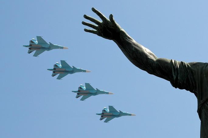 Nga diễu binh rầm rộ mừng Ngày Chiến thắng - Ảnh 17.