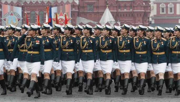 Nga diễu binh rầm rộ mừng Ngày Chiến thắng - Ảnh 10.