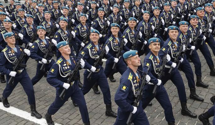 Nga diễu binh rầm rộ mừng Ngày Chiến thắng - Ảnh 8.
