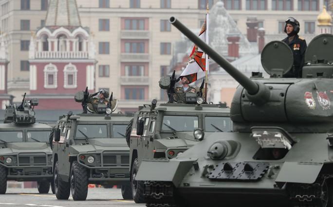 Nga diễu binh rầm rộ mừng Ngày Chiến thắng - Ảnh 7.
