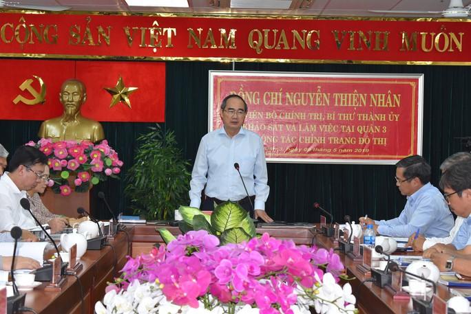Bí thư Nguyễn Thiện Nhân khảo sát công tác chỉnh trang đô thị ở quận 3 - Ảnh 2.