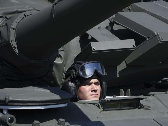 Nga diễu binh rầm rộ mừng Ngày Chiến thắng - Ảnh 14.