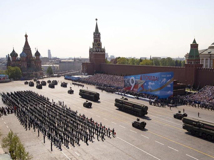 Nga diễu binh rầm rộ mừng Ngày Chiến thắng - Ảnh 18.