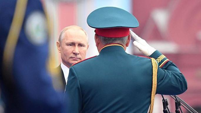 Nga diễu binh rầm rộ mừng Ngày Chiến thắng - Ảnh 3.