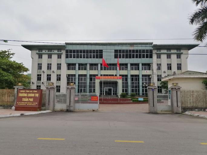 Bịa đặt thông tin về sức khỏe lãnh đạo Đảng, 1 trưởng khoa bị cách chức - Ảnh 1.