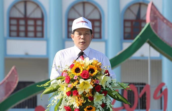 """Phó Thủ tướng cùng khởi động Chương trình """"Một triệu lá cờ Tổ quốc cùng ngư dân bám biển""""  - Ảnh 3."""
