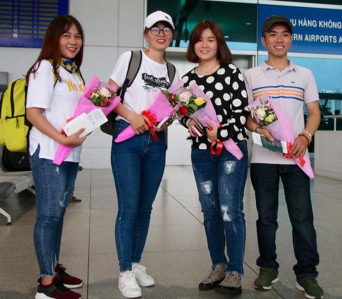 IET chắp cánh ước mơ cho điều dưỡng Việt - Ảnh 1.