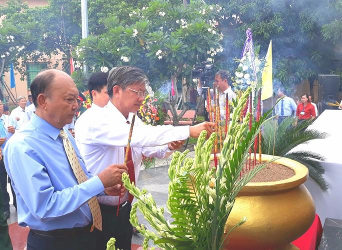 Dân vùng Tứ giác Long Xuyên tổ chức lễ giỗ cố Thủ tướng Võ Văn Kiệt - Ảnh 4.