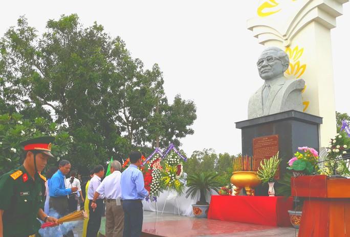 Dân vùng Tứ giác Long Xuyên tổ chức lễ giỗ cố Thủ tướng Võ Văn Kiệt - Ảnh 3.