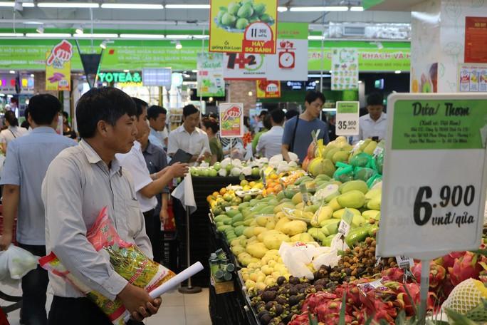 Trâu gác bếp Yên Bái, thịt chua Phú Thọ đắt hàng ở siêu thị - Ảnh 1.