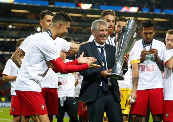Người hùng vô danh tỏa sáng, Bồ Đào Nha lên đỉnh châu Âu - Ảnh 9.