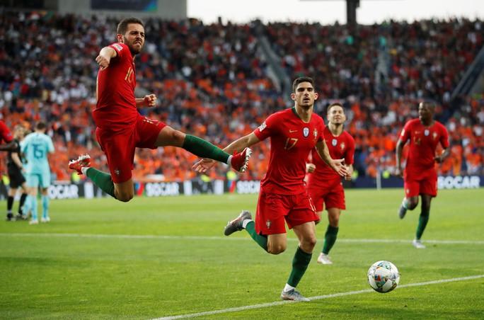 Người hùng vô danh tỏa sáng, Bồ Đào Nha lên đỉnh châu Âu - Ảnh 7.