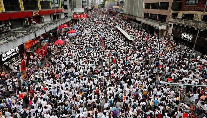"""Báo Trung Quốc: Người biểu tình ở Hồng Kông bị """"dắt mũi"""" - Ảnh 1."""