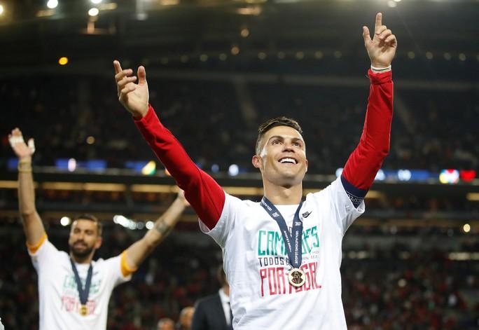 Người hùng vô danh tỏa sáng, Bồ Đào Nha lên đỉnh châu Âu - Ảnh 12.