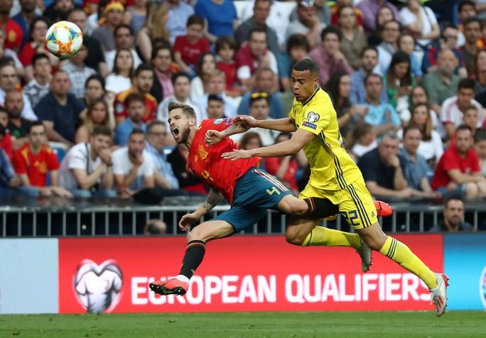 Vắng HLV, Tây Ban Nha vẫn thắng đậm Thụy Điển vòng loại Euro 2020 - Ảnh 4.