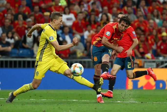 Vắng HLV, Tây Ban Nha vẫn thắng đậm Thụy Điển vòng loại Euro 2020 - Ảnh 7.