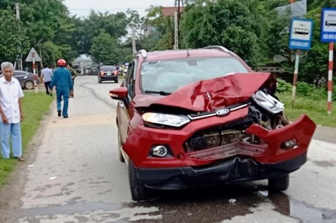 Đình chỉ công tác thiếu úy công an lái ôtô tông chết 2 người phụ nữ - Ảnh 1.