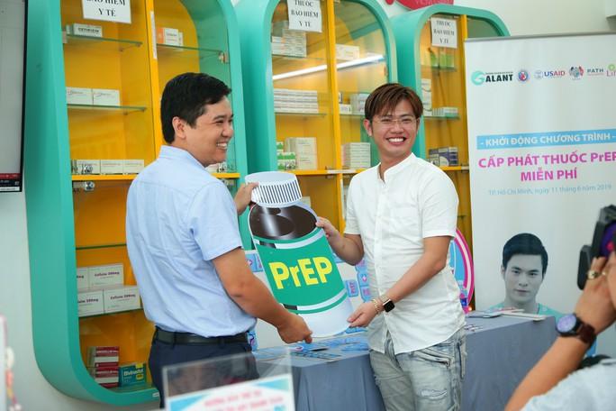 TP HCM cấp phát miễn phí thuốc phòng phơi nhiễm HIV - Ảnh 1.