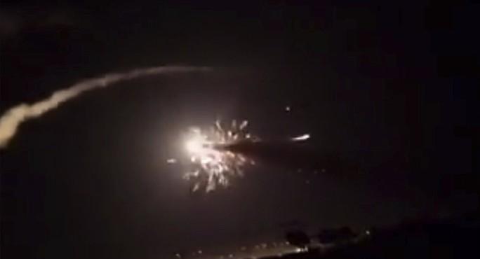 Phòng không Syria bắn hạ tên lửa Israel - Ảnh 2.