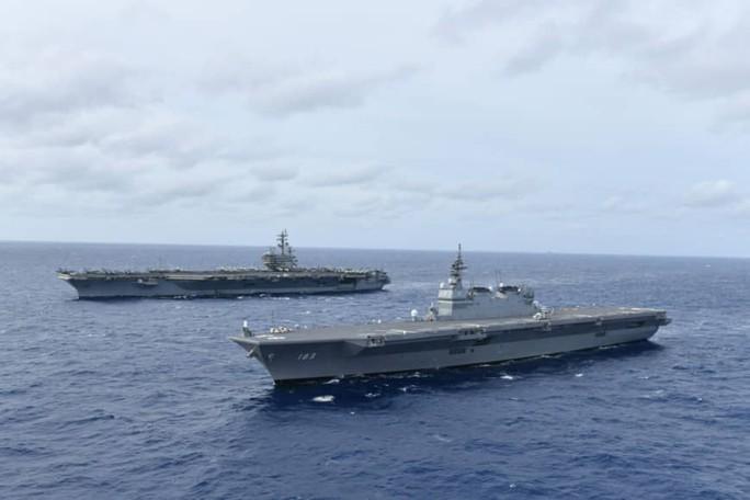Tàu sân bay Mỹ - Nhật tập trận ở biển Đông - Ảnh 2.