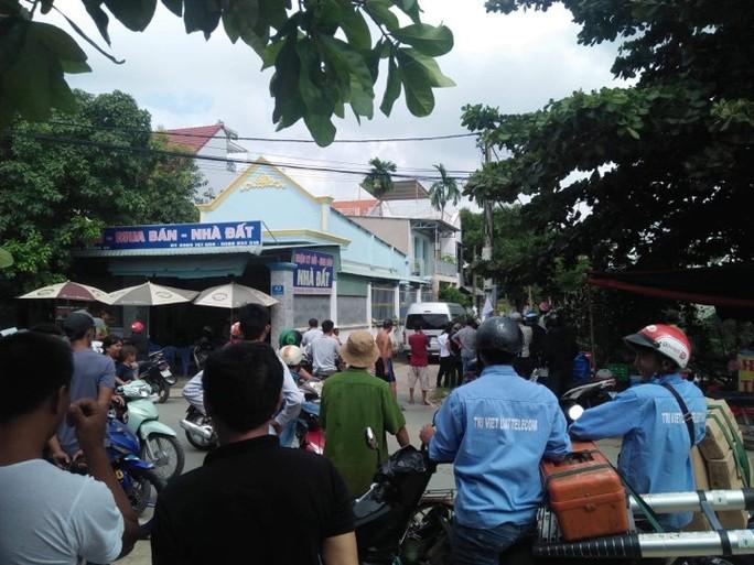 TP HCM: Công an vây bắt hàng chục người nước ngoài hoạt động lừa đảo - Ảnh 1.