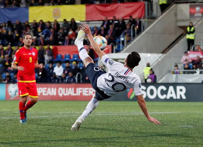 Vòng loại Euro 2020: Đại gia trút giận, cục diện ngỡ ngàng - Ảnh 3.