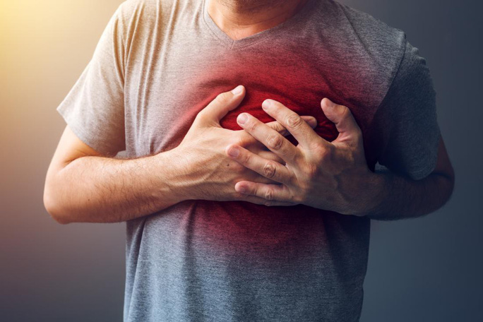 Bất ngờ thuốc trị mụn chặn được… đột quỵ, nhồi máu cơ tim - Ảnh 1.