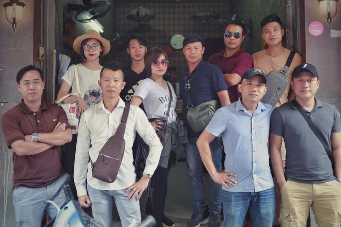 Chặn khách nước ngoài móc túi ở Hà Nội - Ảnh 1.