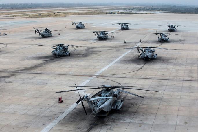 """Trực thăng quân sự Mỹ phô diễn sức mạnh trong tập trận """"Voi đi bộ"""" - Ảnh 8."""