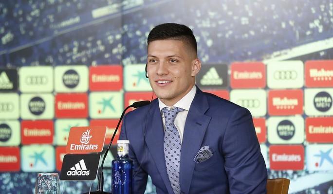 4.500 CĐV Real Madird phát sốt với lễ ra mắt Luka Jovic - Ảnh 4.