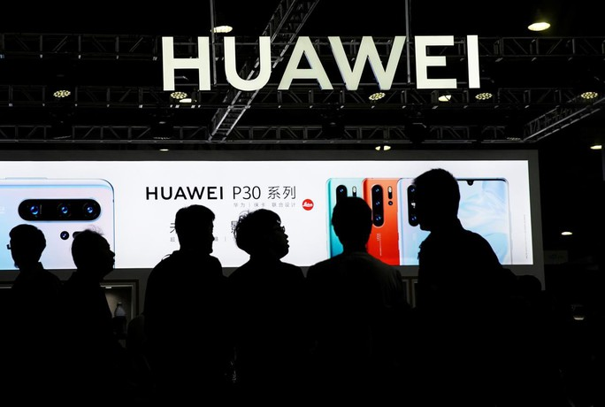Huawei yêu cầu nhà mạng Mỹ trả hơn 1 tỉ USD tiền bản quyền công nghệ - Ảnh 1.