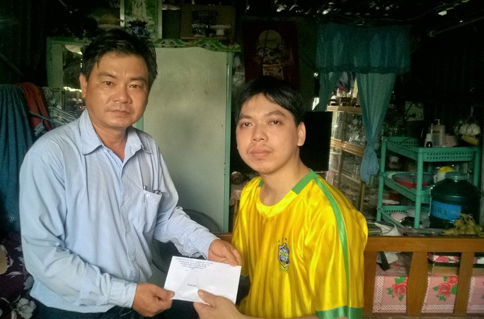 CẦN THƠ: Thăm, tặng quà công nhân bị tai nạn lao động - Ảnh 1.