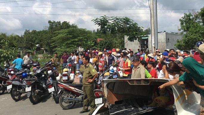 Tai nạn container kinh hoàng trên Quốc lộ 22, 5 người tử vong - Ảnh 3.