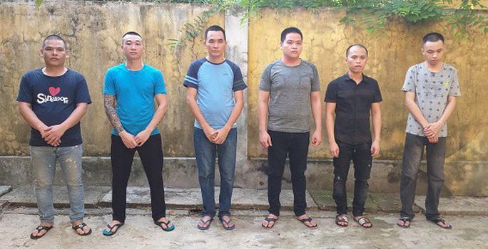 Phá đường dây buôn lậu khủng từ Lào về, thu giữ 26 ôtô trị giá 40 tỉ đồng - Ảnh 2.
