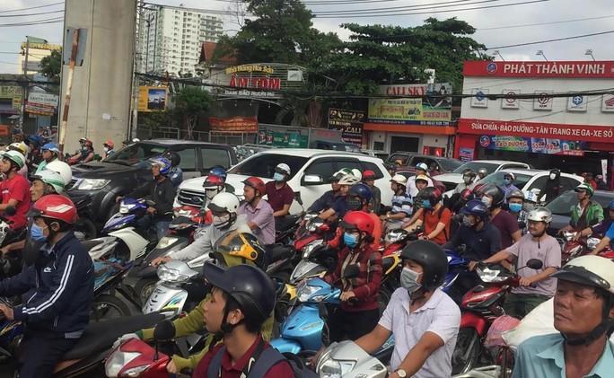 Ám ảnh 2 ngày, 2 vụ tai nạn chết người trên xa lộ Hà Nội - Ảnh 3.