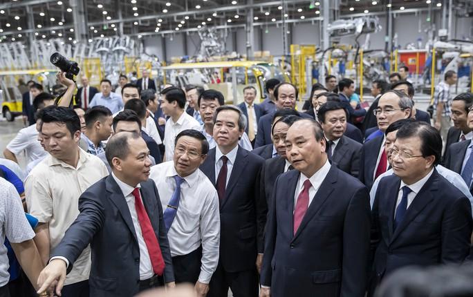 Thủ tướng dự lễ khánh thành nhà máy ôtô VinFast - Ảnh 9.