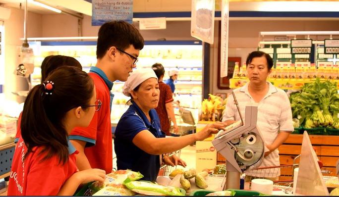 Gần 700 học sinh TP HCM trải nghiệm một ngày làm nhân viên siêu thị - Ảnh 3.