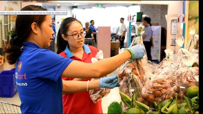 Gần 700 học sinh TP HCM trải nghiệm một ngày làm nhân viên siêu thị - Ảnh 2.