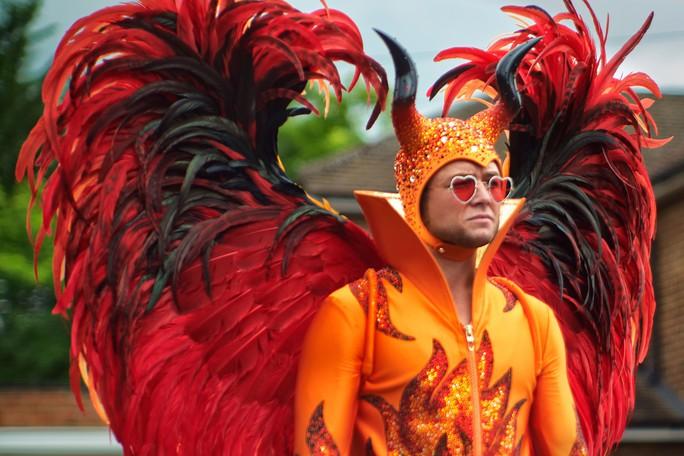 Góc khuất bi kịch đời danh ca Elton John - Ảnh 1.