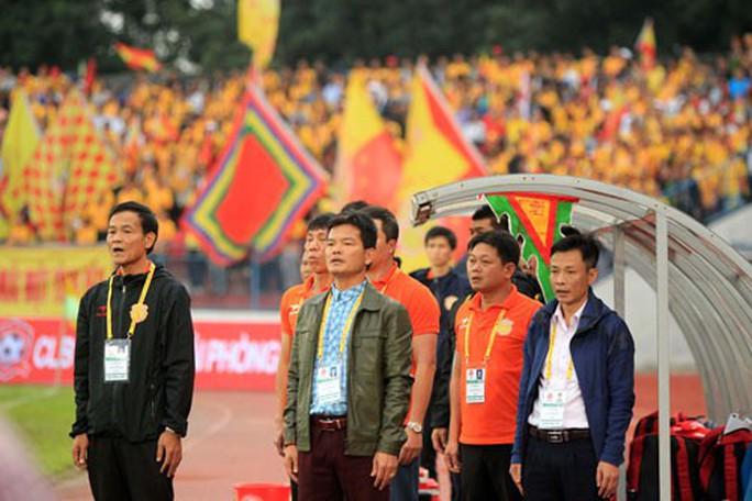 Nguyễn Văn Dũng chạy mãi không chồn chân - Ảnh 1.