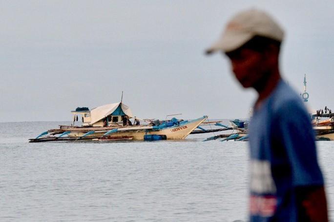 Trung Quốc nói lý do bỏ rơi ngư dân Philippines giữa biển - Ảnh 2.