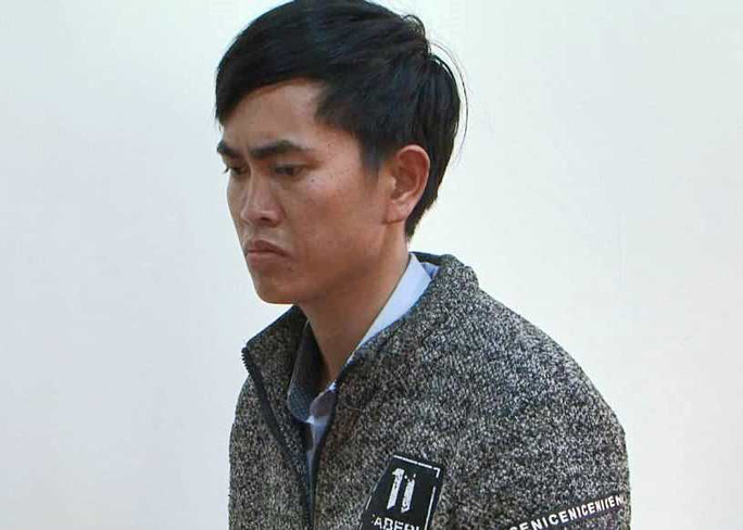 Nhờ người dọn dẹp hiện trường vụ phá rừng, một nhân viên bảo vệ rừng bị bắt - Ảnh 1.