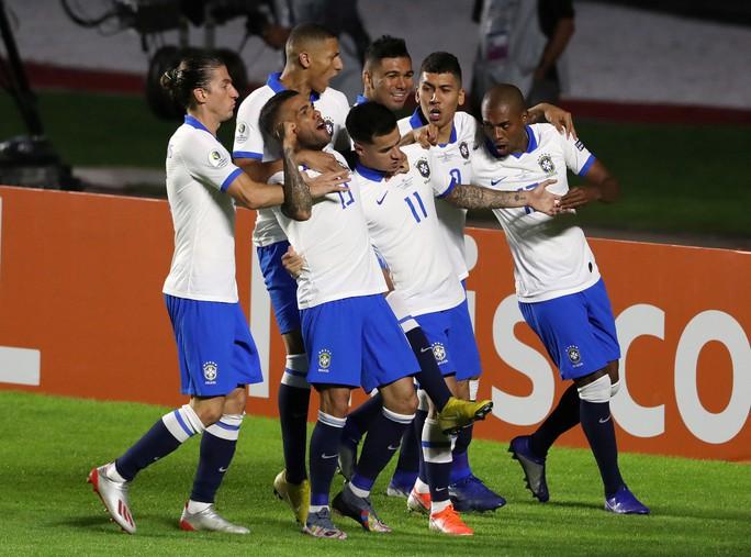 Siêu dự bị lập siêu phẩm, Brazil thắng đậm trận mở màn Copa America - Ảnh 10.