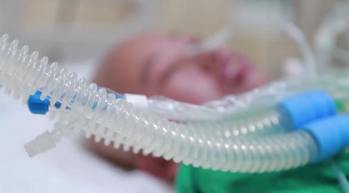 Trào nước mắt khoảnh khắc người mẹ ung thư vú lần đầu ôm con vào lòng - Ảnh 20.
