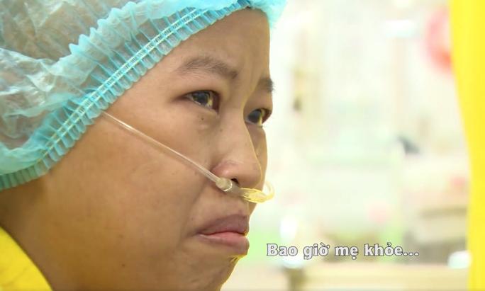 Trào nước mắt khoảnh khắc người mẹ ung thư vú lần đầu ôm con vào lòng - Ảnh 32.