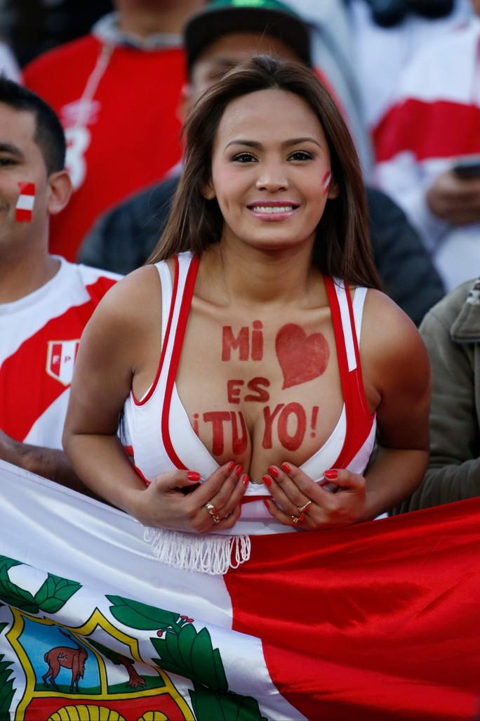 Siêu dự bị lập siêu phẩm, Brazil thắng đậm trận mở màn Copa America - Ảnh 4.
